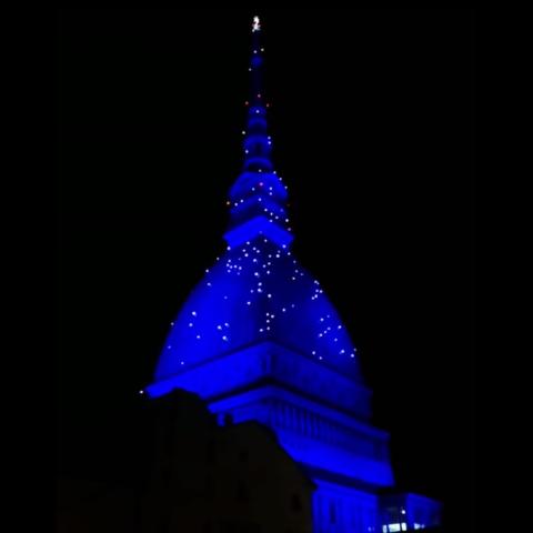 mole-antonelliana-torino-illuminazione-natalizia